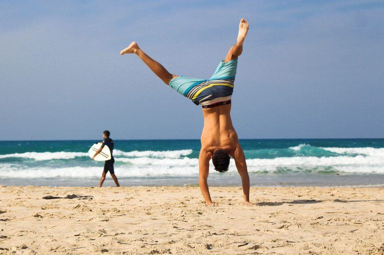 handstand sommer strand tom on tour 768x510 - Key West - Floridas Gay Island