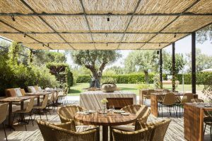 Garden Bar 300x200 - Hotel Peralada Wine Spa & Golf, Girona