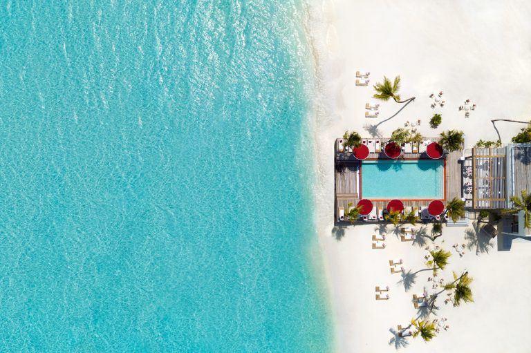 LUX NMA BeachRouge Aerial 1865x1242 1 768x511 - Eine Nacht in Havanna