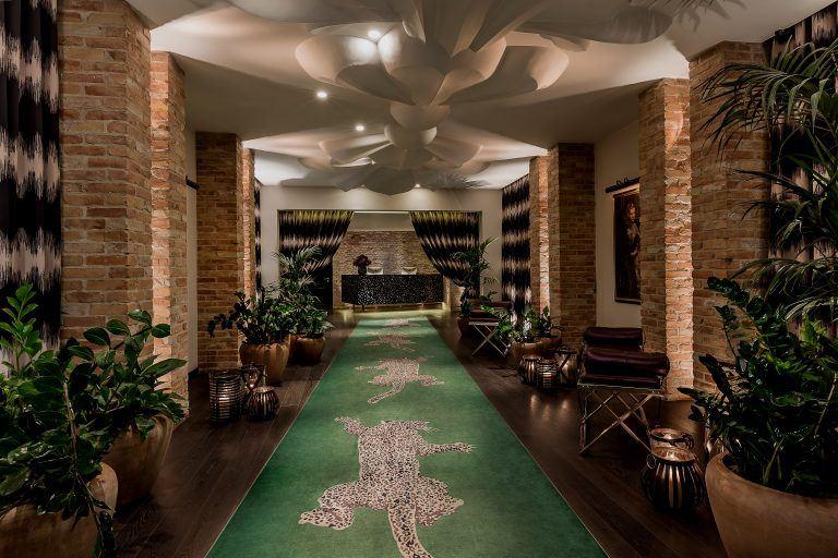 hotel zoo berlin  high res catwalk 37537024924 o 768x512 - HOTEL ZOO BERLIN, Berlin