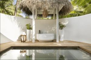 Bildschirmfoto 2020 12 23 um 15.29.21 300x200 - LUX* South Ari Atoll Resort & Villas, Malediven