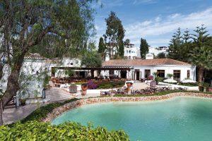 Adega Restaurant 300x200 - VILA VITA Parc, Algarve