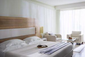 08 Prestige Deluxe Junior Suite Bedroom 300x200 - Lefay Resort & SPA Lago di Garda, Gardasee