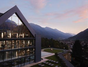 1 IL RESORT 300x227 - Lefay Resort & SPA Dolomiti, Dolomiten