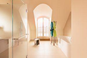 Orania.60 bathroom copyright Fridolin Full 300x200 - Orania.Berlin, Berlin