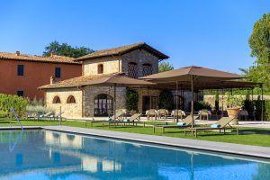 Pool and L Oliveto 300x200 - Villa La Massa, Florenz