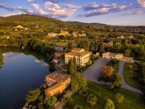 Villa La Massa drone overview 300x225 - Villa La Massa, Florenz