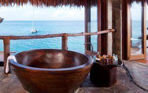 laucala island overwater villa bathroom bathtub 300x188 - Laucala Island, Fidschi