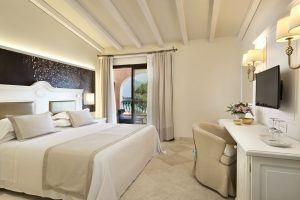 Deluxe Room view 2 300x200 - Abi D'Oru Beach Hotel & Spa, Sardinien