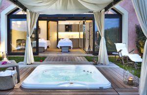 Private Spa whirpool 300x194 - Abi D'Oru Beach Hotel & Spa, Sardinien