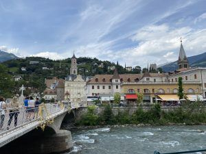 Meran 2 300x225 - Historischer Villenflair in Südtirol