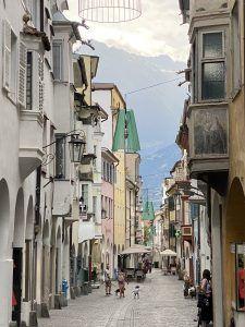 Meran 5 225x300 - Historischer Villenflair in Südtirol