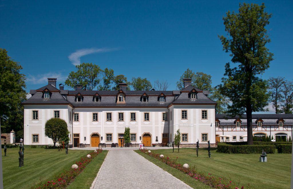 Außenansicht vom Schloss Wernersdorf
