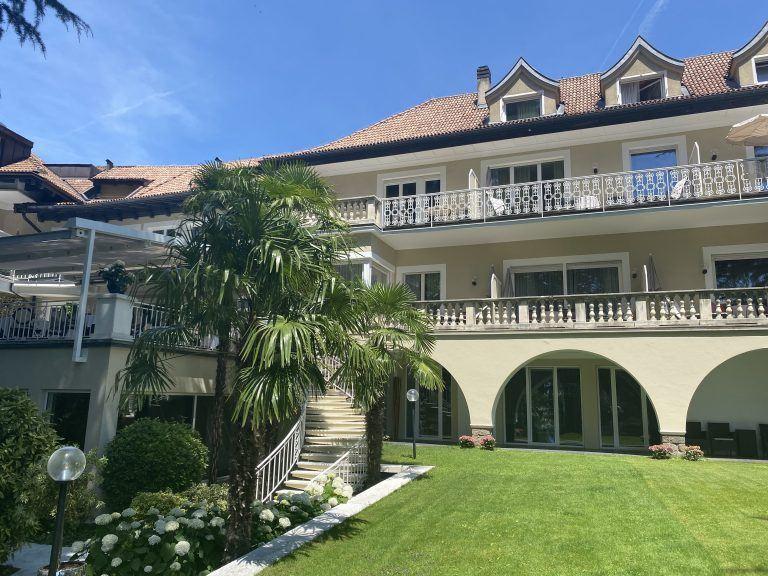 Villa Eden Aussenansicht 768x576 - Historischer Villenflair in Südtirol