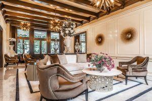 Loungebereich in der Villa Eden